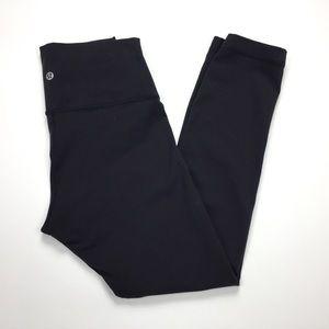 Lululemon Size 6 Black Wunder Under Crop Pants
